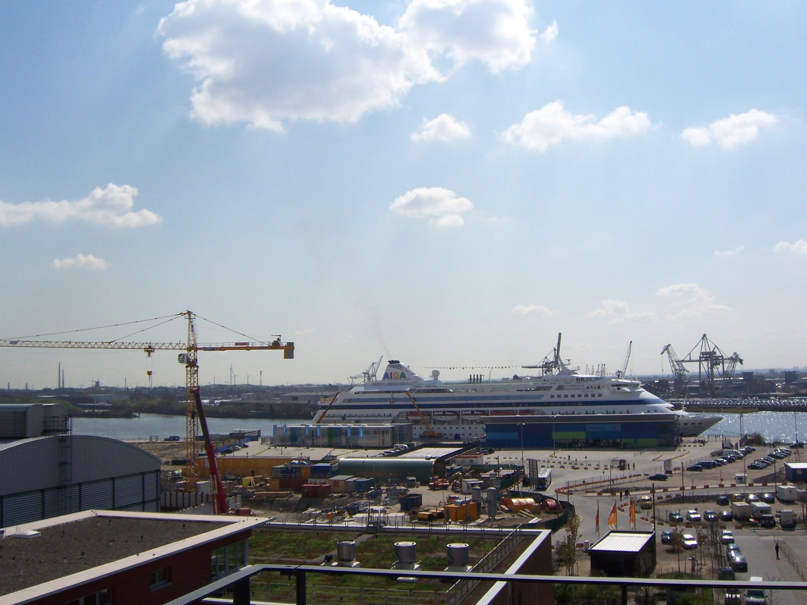 Elbblick – Traumwohnung im 4. OG in der Hafencity